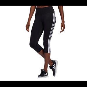 Adidas stripped Capri yoga pants